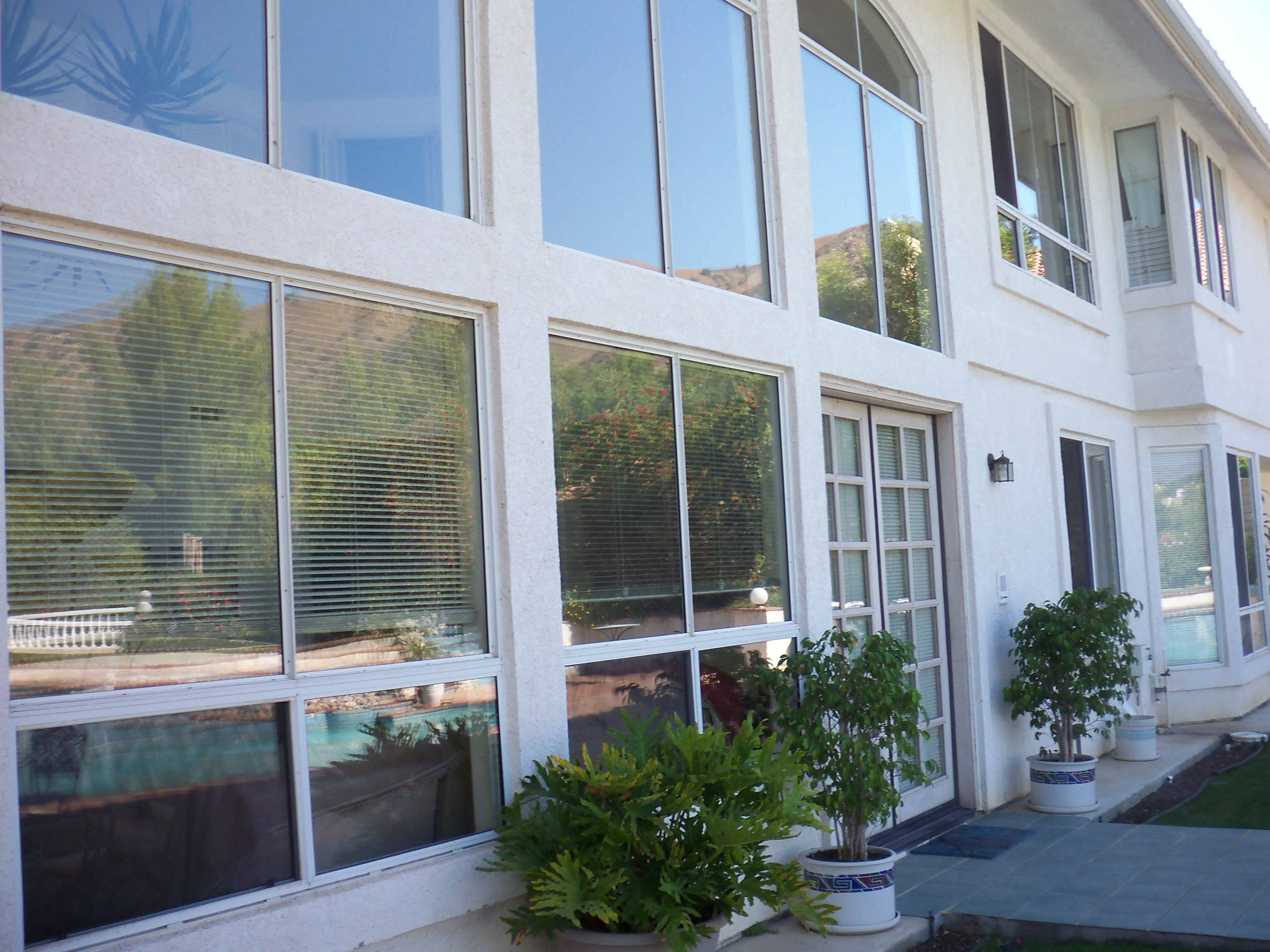 Window Screen Repairs in Sherman Oaks