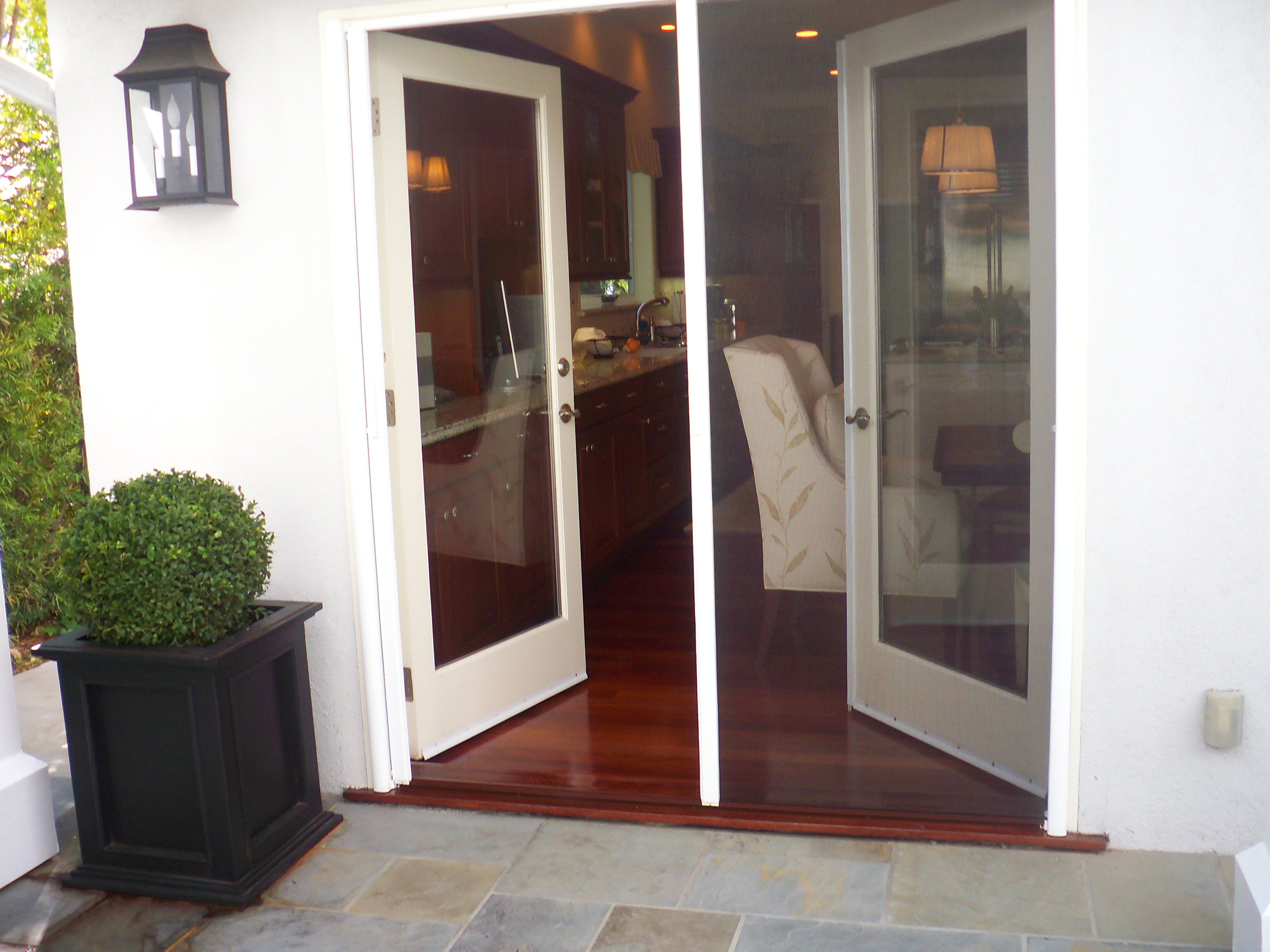 Retractable screens on french doors in sherman oaks for Hidden screens for french doors