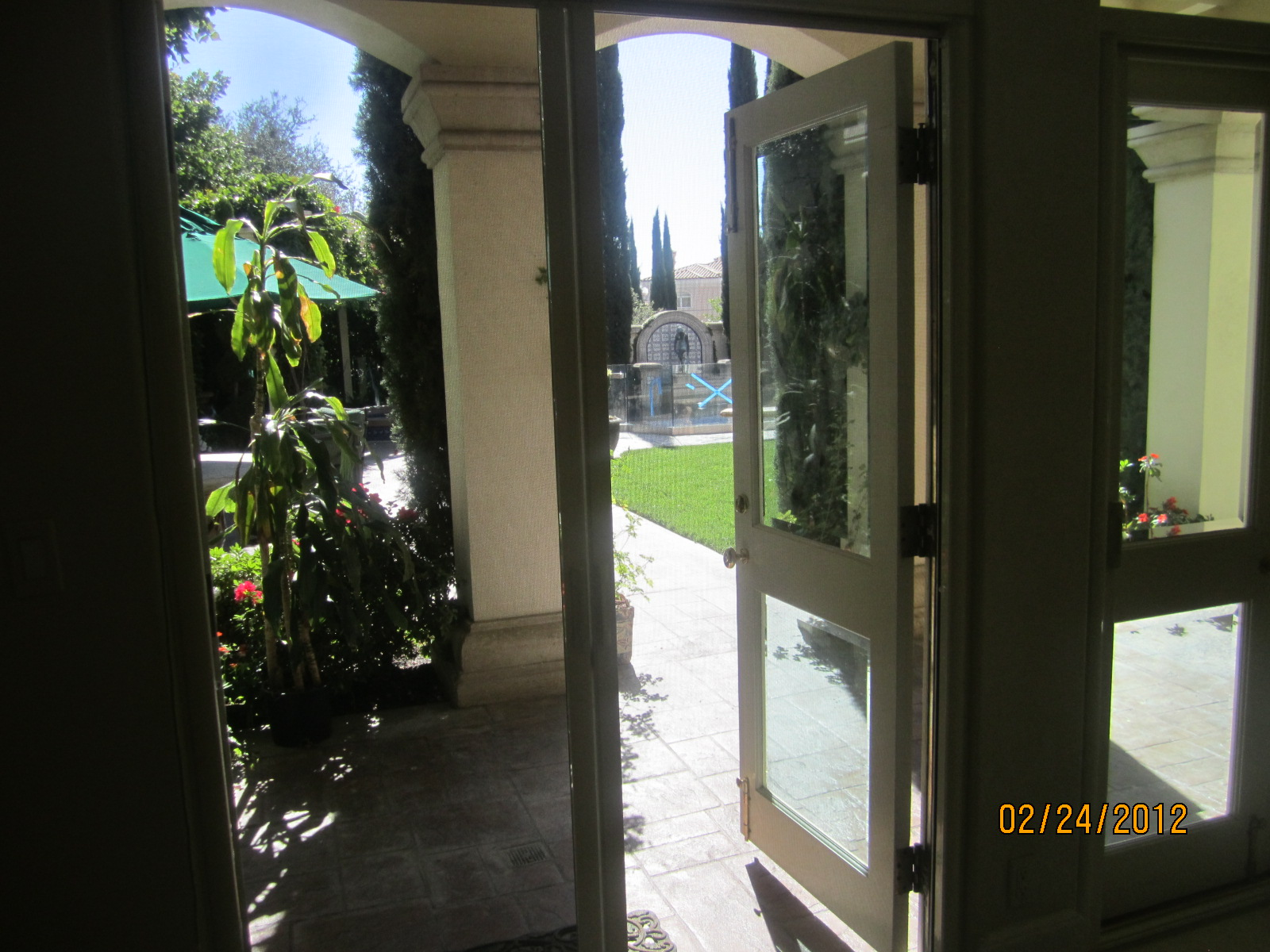 Retractable Screen Doors installed Bell Air