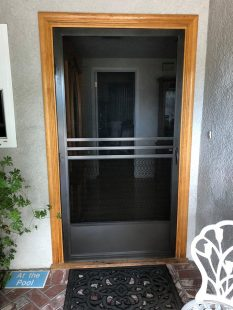 Hinged Screen Door Model Tahoe 6900 in Bronze